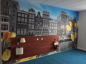 Fullcolor print op muur